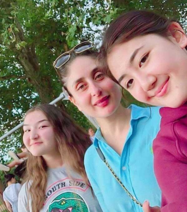 صورة.. كارينا كابور خان تلتقط سيلفي مع معجبات في لندن