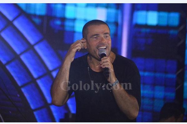 عمرو دياب يتألق في حفل عالمي بـالعلمين الجديدة