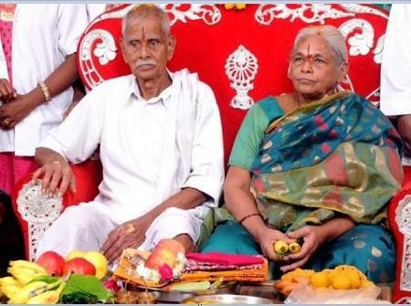 عجوز هندية تضع توأما رغم بلوغها 73 عاما.. صور وفيديو
