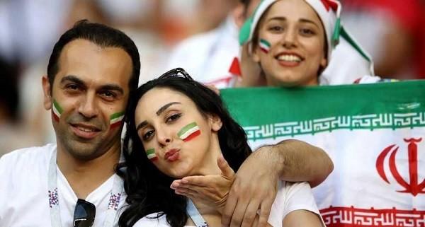 مشجعات ايرانيات
