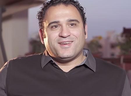 تعرف على والد أكرم حسني لاعب فريق الزمالك السابق.. صور