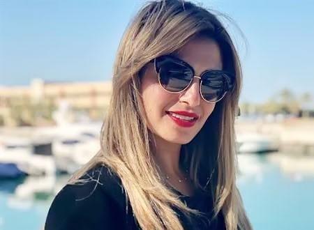 منة فضالي تفتن جمهورها بالأبيض والأسود وتحيرهم بتعليق.. شاهد