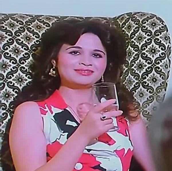 الهام شاهين في فيلم بستان الدم