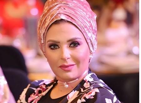 صابرين في أحدث ظهور بعد تخليها عن الحجاب تحصل على جائزة أفضل ممثلة.. صور