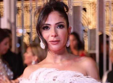 منى زكي تكشف سر خلافها مع ابنتها لمدة عامين
