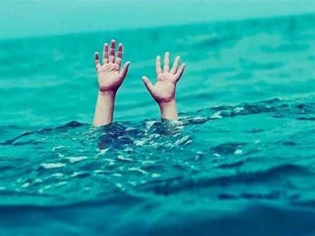 غرق بريطانية حامل في شهرها الرابع