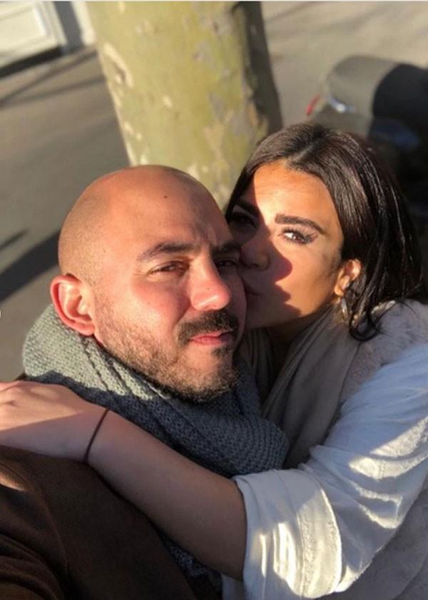 محمود العسيلي وخطيبته