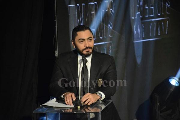 وزير شباب والرياضة يكرم تامر حسني على مسرح الوزارة