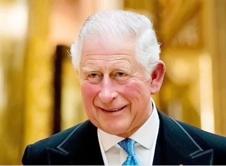 هل تخطى الأمير تشارلز الآخرين أثناء فحص كورونا؟