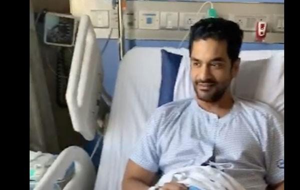 أنجاد بيدي يخضع لعملية جراحية في الركبة دون علم زوجته نيها دوبيا.. صور