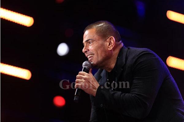 عمرو دياب يتألق فى المنارة فى حفل كامل العدد