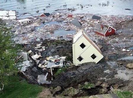 البحر يبتلع قرية نرويجية.. صور وفيديو