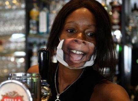 بلجيكي يبدع في إنتاج كمامات بملامح الوجه