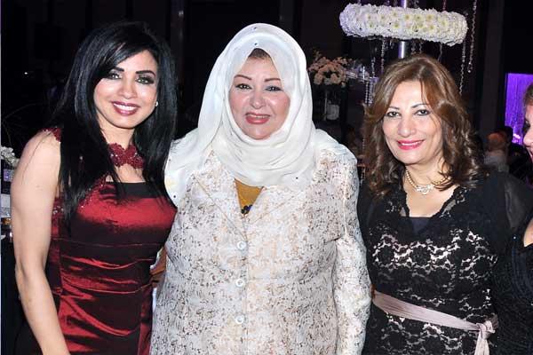 نادية مصطفى تحتفل بحفل زفاف ابنتها مع زوجها اركان فؤاد