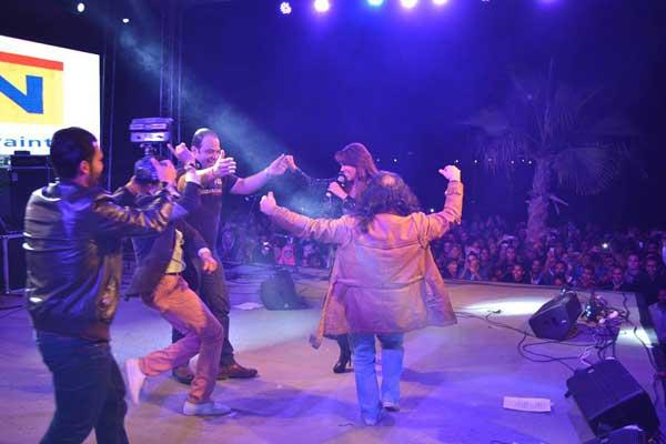 بالصور أمينة تشعل المسرح رقصاً وغناءً بمشاركة أبوالليف 08_46.jpg