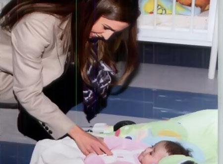 الملكة رانيا تزور مؤسسة الحسين الاجتماعية