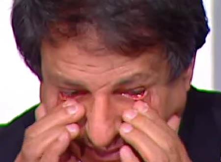 يونس يدخل في نوبة بكاء بسبب مرض الخطيب