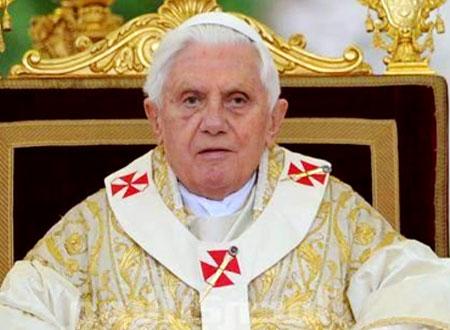 بنديكت السادس عشر.. أول رئيس للكنيسة الكاثوليكية على «تويتر»