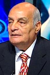 جولولي | وفاة المعلق الرياضي محمود بكر