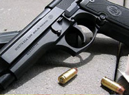فتاة لبنانية تقتل والدتها بـ 9 طلقات
