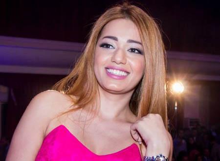 رحمة رياض تتقمص شخصية إسماعيل ياسين بحركة عفوية.. صور