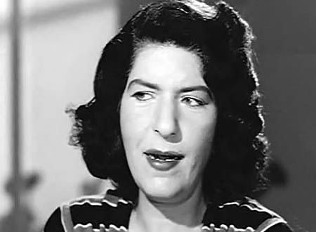 زينات صدقي بدأت حياتها كمغنية وهربت إلى لبنان.. تفاصيل وصور نادرة