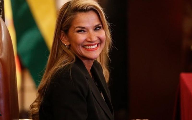 جانيني أنييس رئيسة بوليفيا