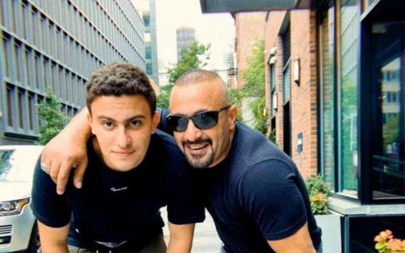 احمد السقا وابنه
