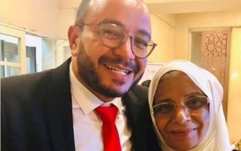 حسام داغر ووالدته